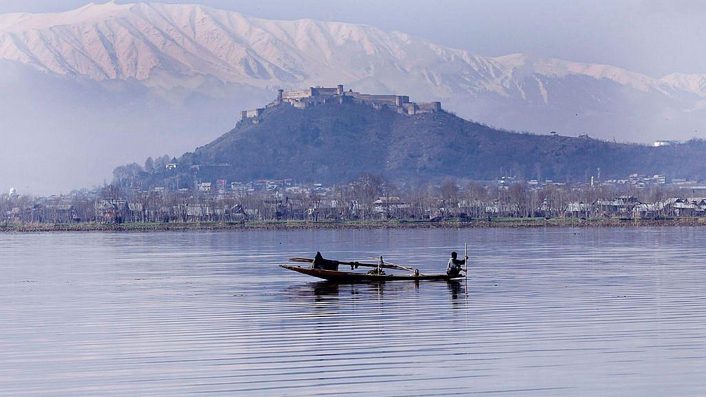 Malayalam movie song on Kashmir resonates on both sides of  border