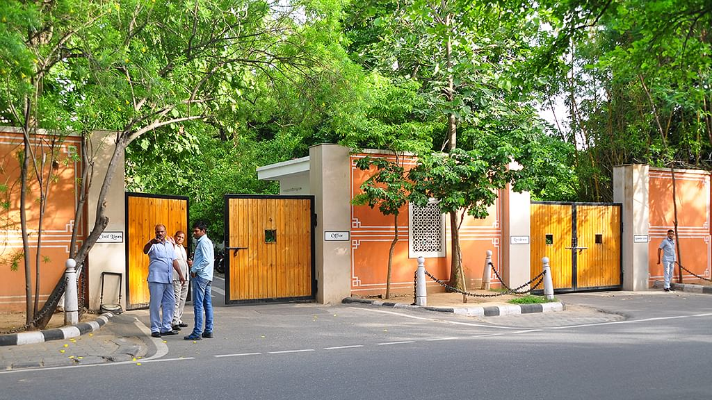 Raje follows UP in allotting bungalows for life to former CMs