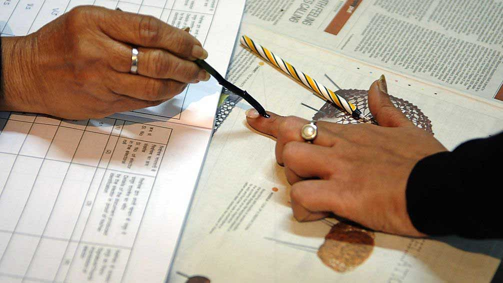 E-ballots for NRIs but not migrant workers within India