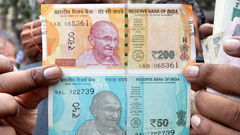 Why you shouldn't get paranoid about coronavirus on bank notes