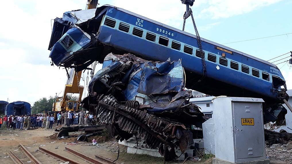 Centre doesn't know how many people die in rail accidents