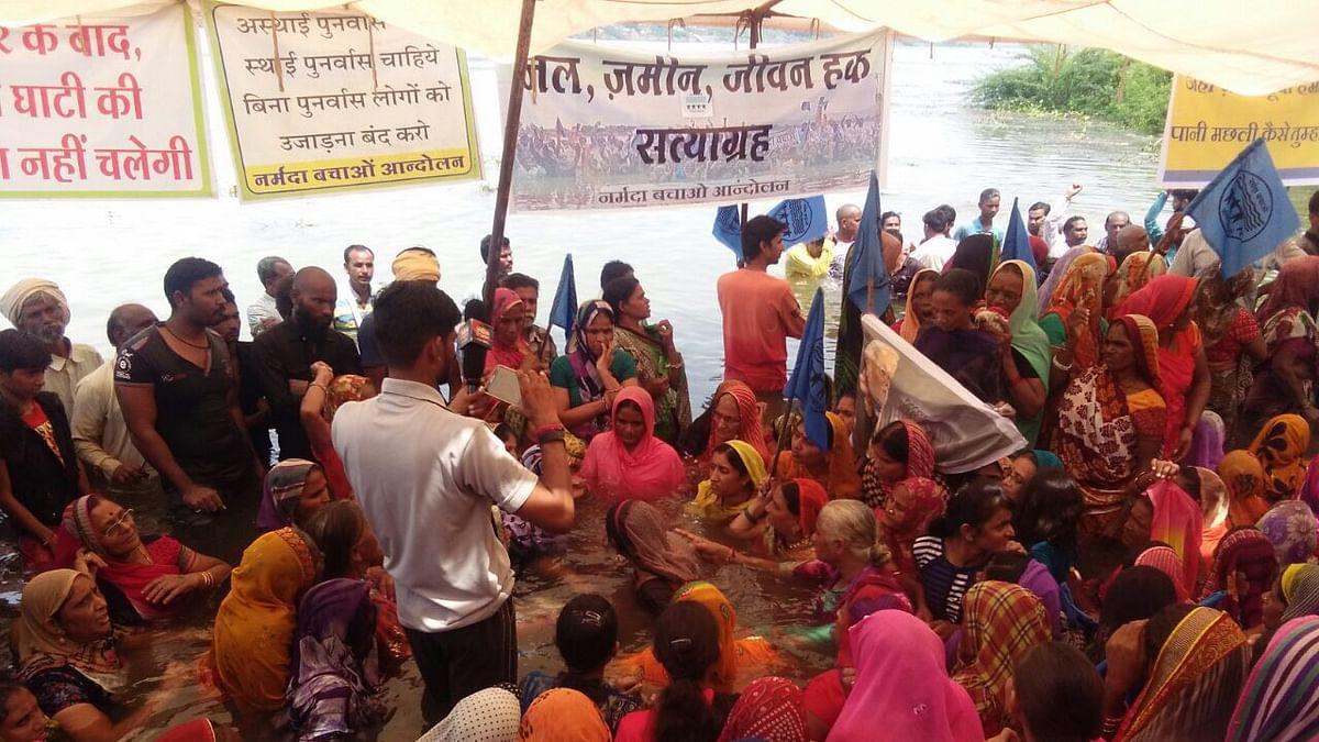 Modi dedicates Sarovar Dam to the nation even as lakhs displaced still in limbo