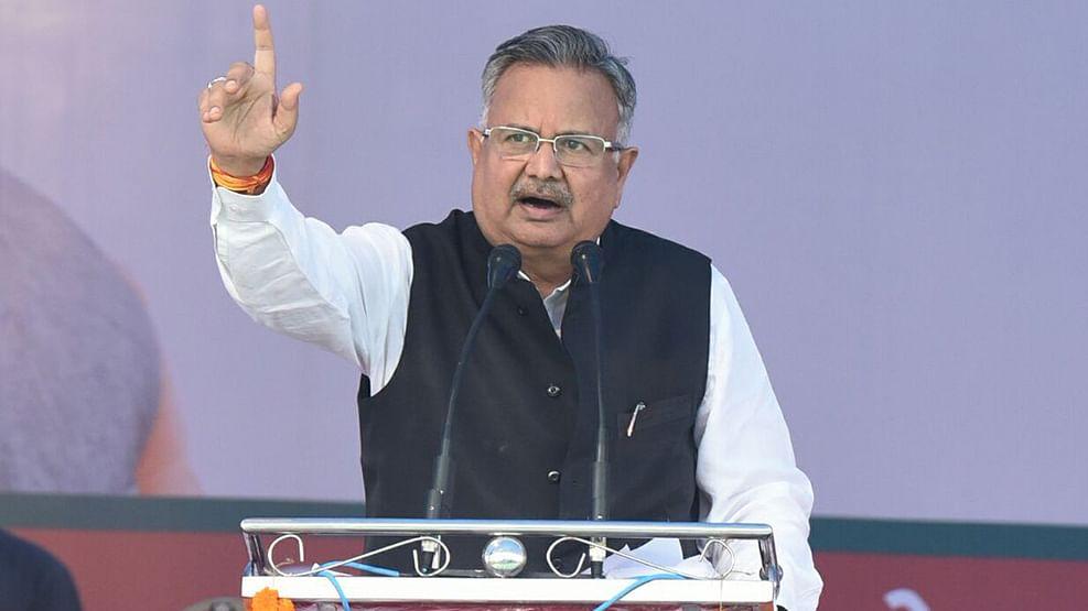 Why is Chhattisgarh CM Raman Singh defending Rajesh Munat?