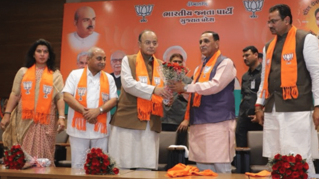 BJP opts for status quo with  Vijay Rupani as CM, Nitin Patel Dy CM