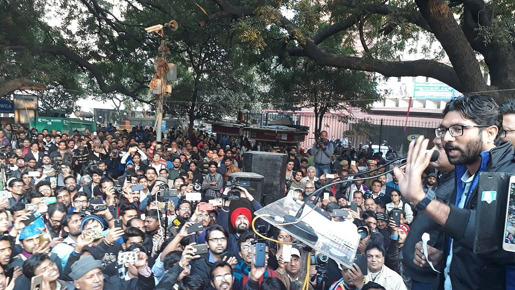 PM Modi must choose between Constitution and Manusmriti: Jignesh Mevani