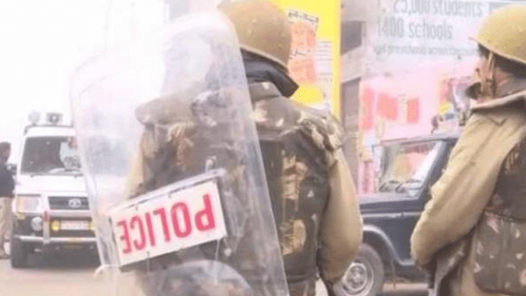 Violence-hit UP town tense, SP removed