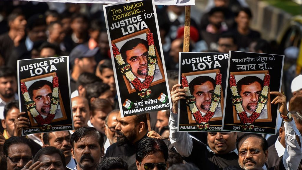 Judge Loya death: Rahul Gandhi with 114 MPs from 15 Opposition parties asks President for SIT probe