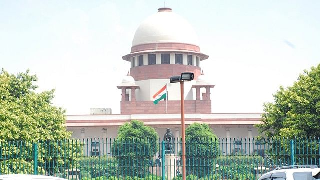 SC asks former UP CMs to vacate bungalows but spares 'Trusts'