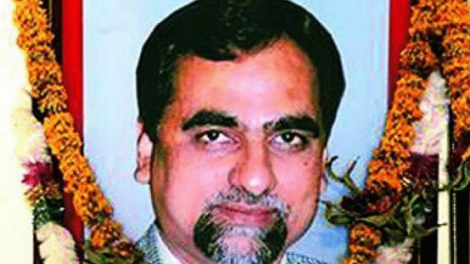 Dushyant Dave seeks to cross-examine 11 people named in documents relating to death of Judge Loya
