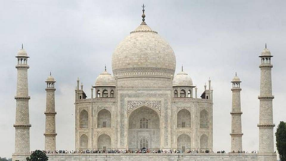File vision document for protection of Taj Mahal: SC to UP govt