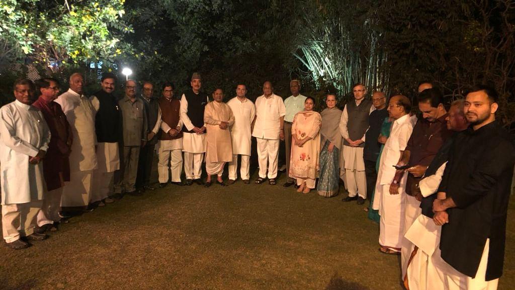 Sonia Gandhi's dinner diplomacy: Opposition turns up in strength