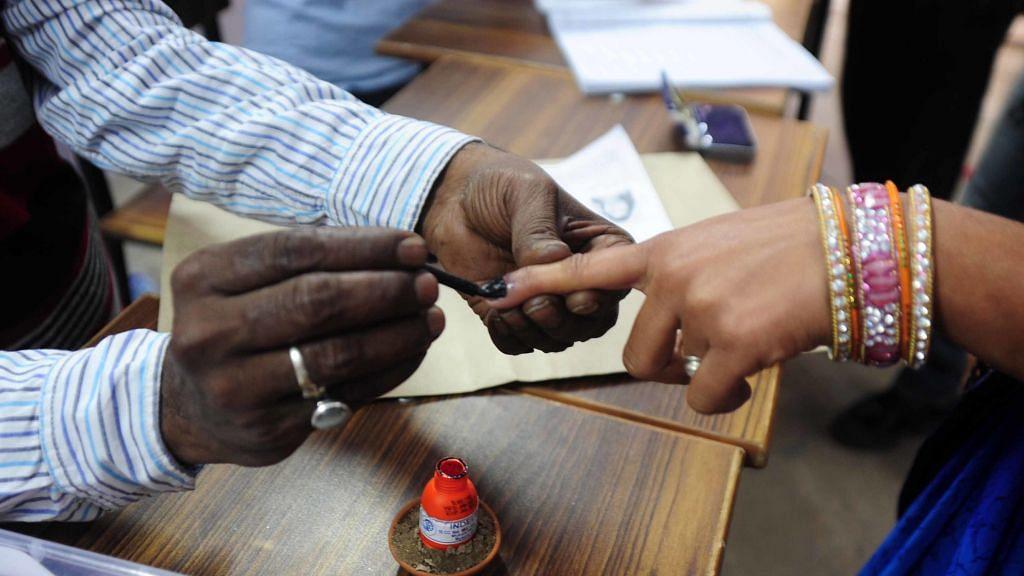 Voting underway for Phulpur, Gorakhpur bypolls in UP