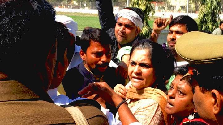 Teesta prevented from conducting workshop in Kashi Vidyapeeth