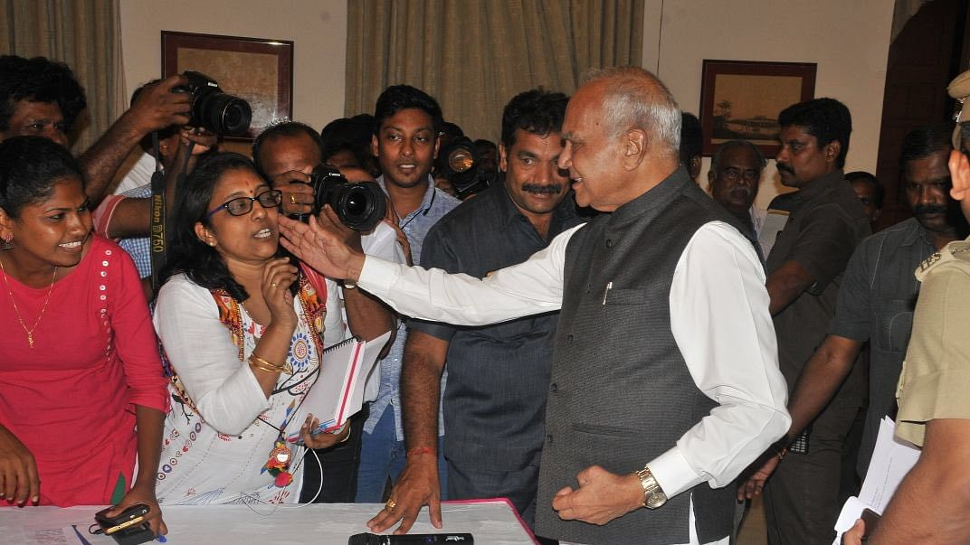 Tamil Nadu Governor Banwarilal Purohit apologises to journalist