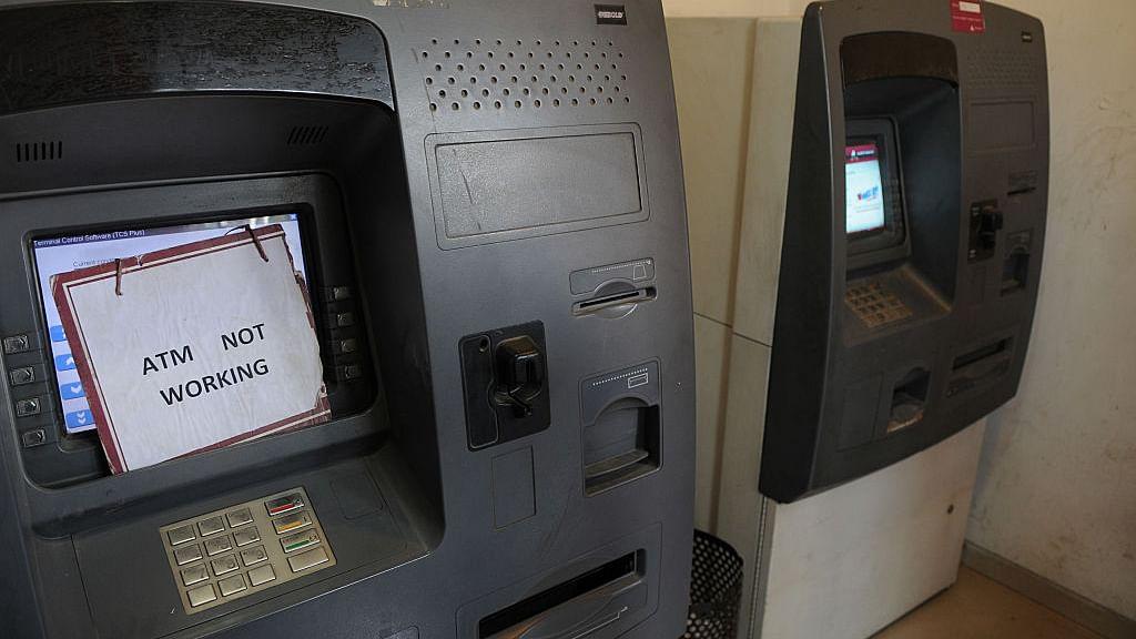 """Cash Crunch Part 2: FM Jaitley says """"temporary shortage""""; Rahul slams PM"""