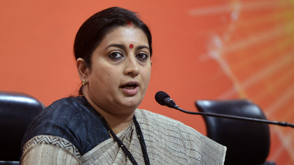 Journalists slam Smriti Irani's attempt to muzzle media