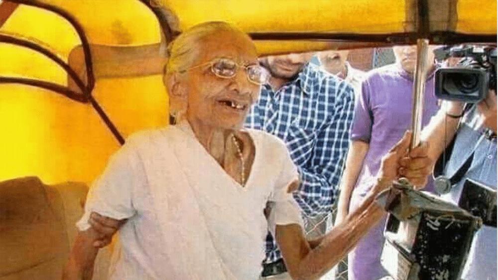 BJP minister Sampla tweets fake image of Prime Minister  Modi's mother