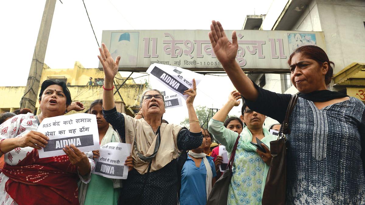 Gujarat  sends back girls 'trafficked'  from Assam