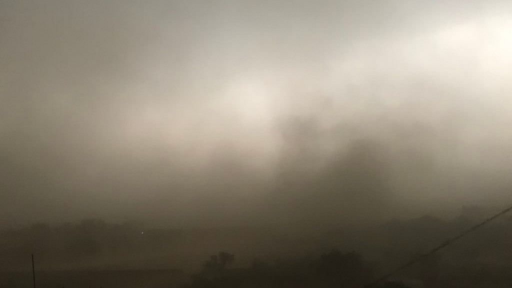 Dust storm hits Delhi, NCR, flights, metro services disrupted