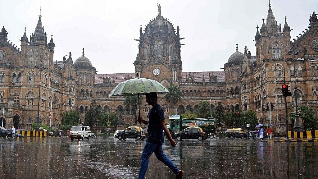 5 killed as rains clobber Mumbai, Thane, Palghar, Raigad in Maharashtra