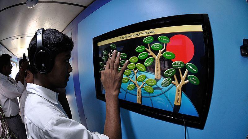 Despite 'Digital India' push, just 25% Indians use Internet: Pew survey