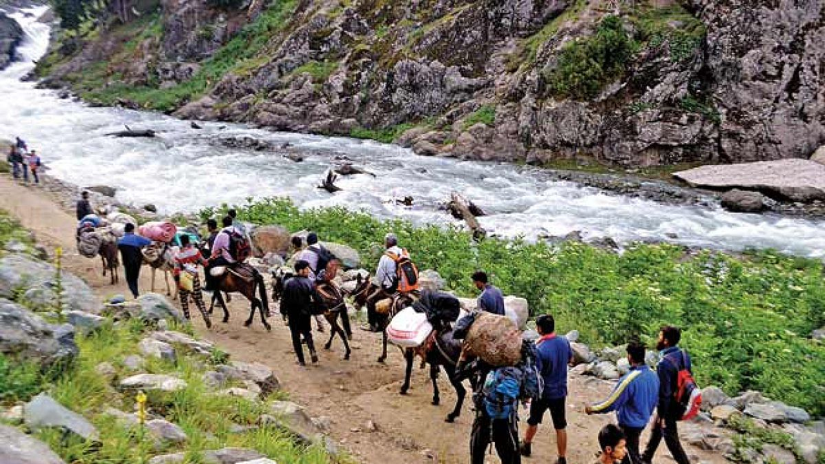 Amarnath Yatra suspended from Baltal route due to inclement weather