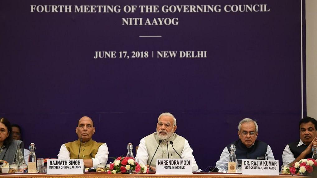 Congress slams PM's 'half truths' in Niti Aayog address