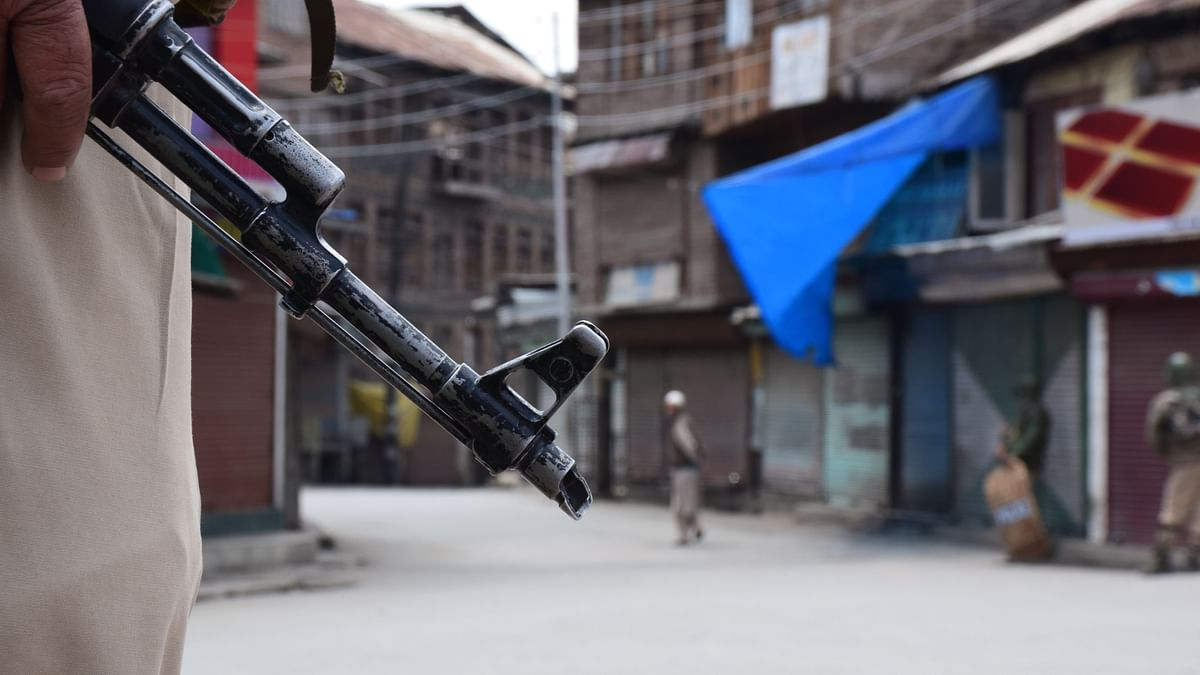 Govt ends unilateral Ramzan truce; 2 militants killed in Kashmir