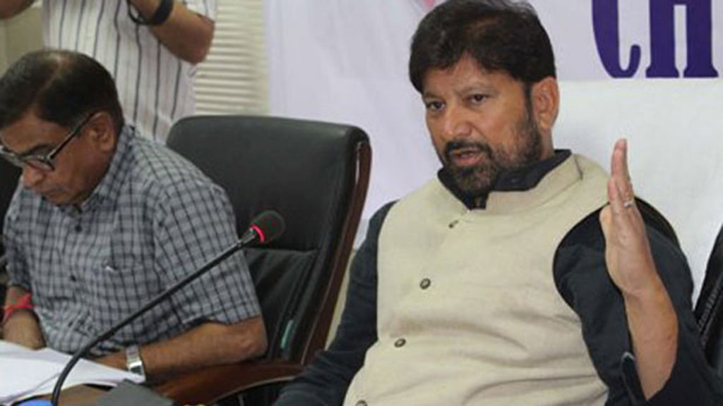 Controversial BJP MLA Choudhary Lal Singh threatens Kashmiri journalists