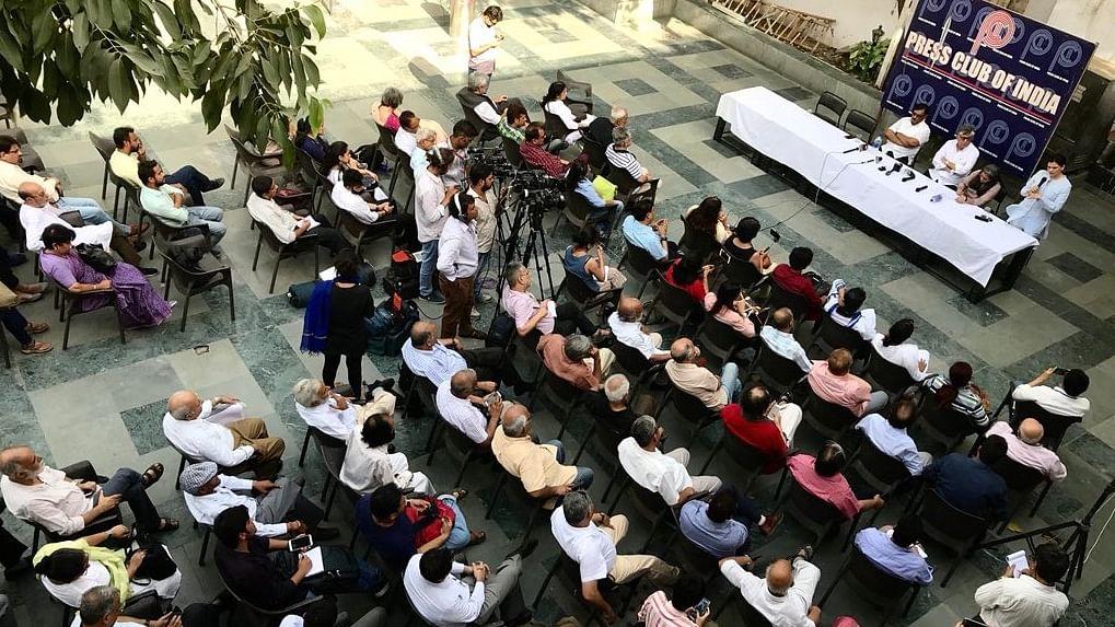 """Reckless TV, social media"" panned at condolence meet for Shujaat Bukhari"
