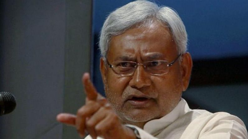 Disgruntled Nitish keeps channels open with Congress, Grand Alliance