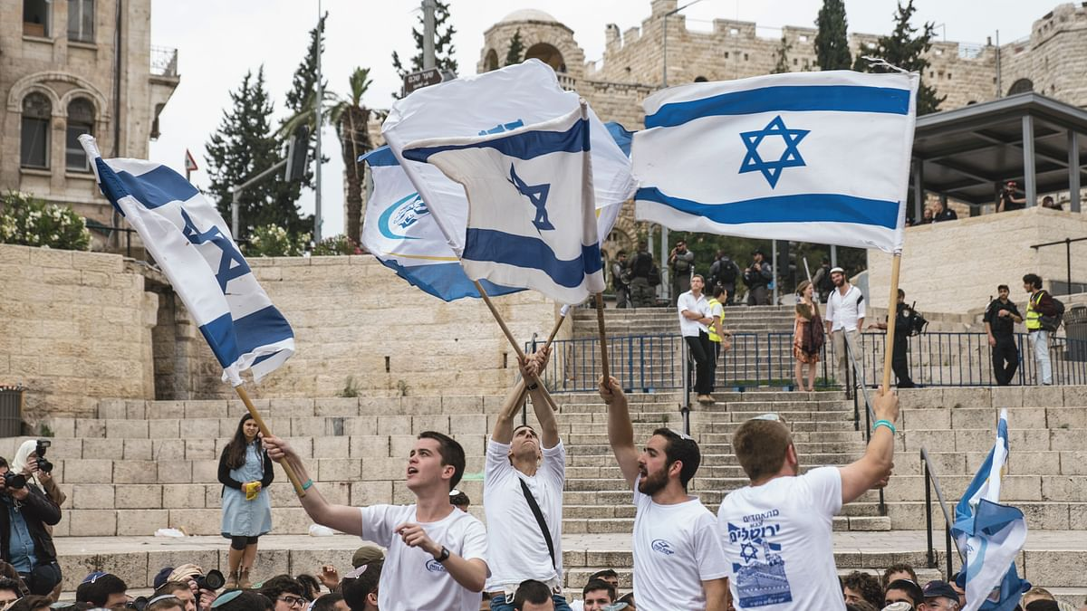How does Israel's choice of faith as marker for national identity stack up?