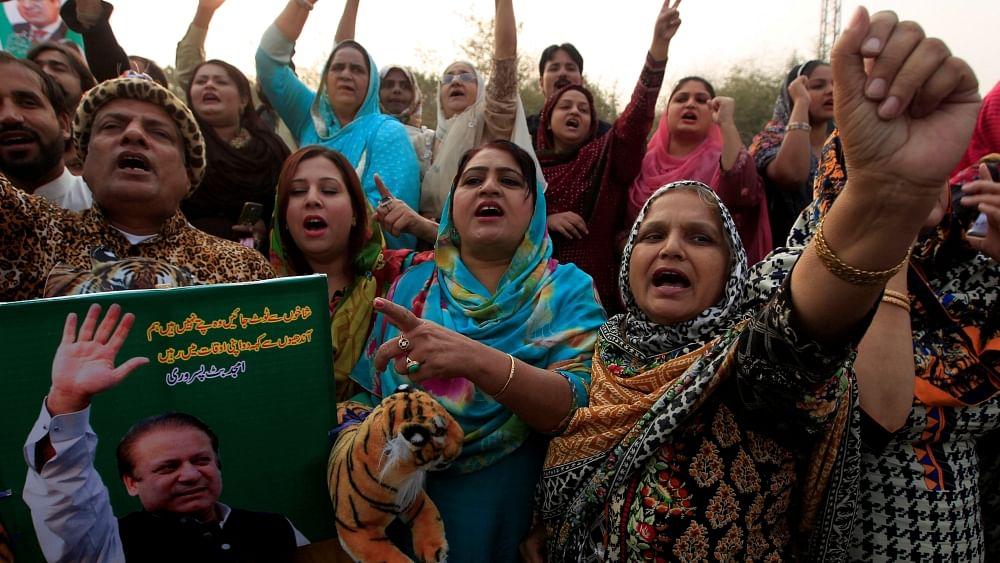 Despite generals and judges, Nawaz Sharif popular with millions