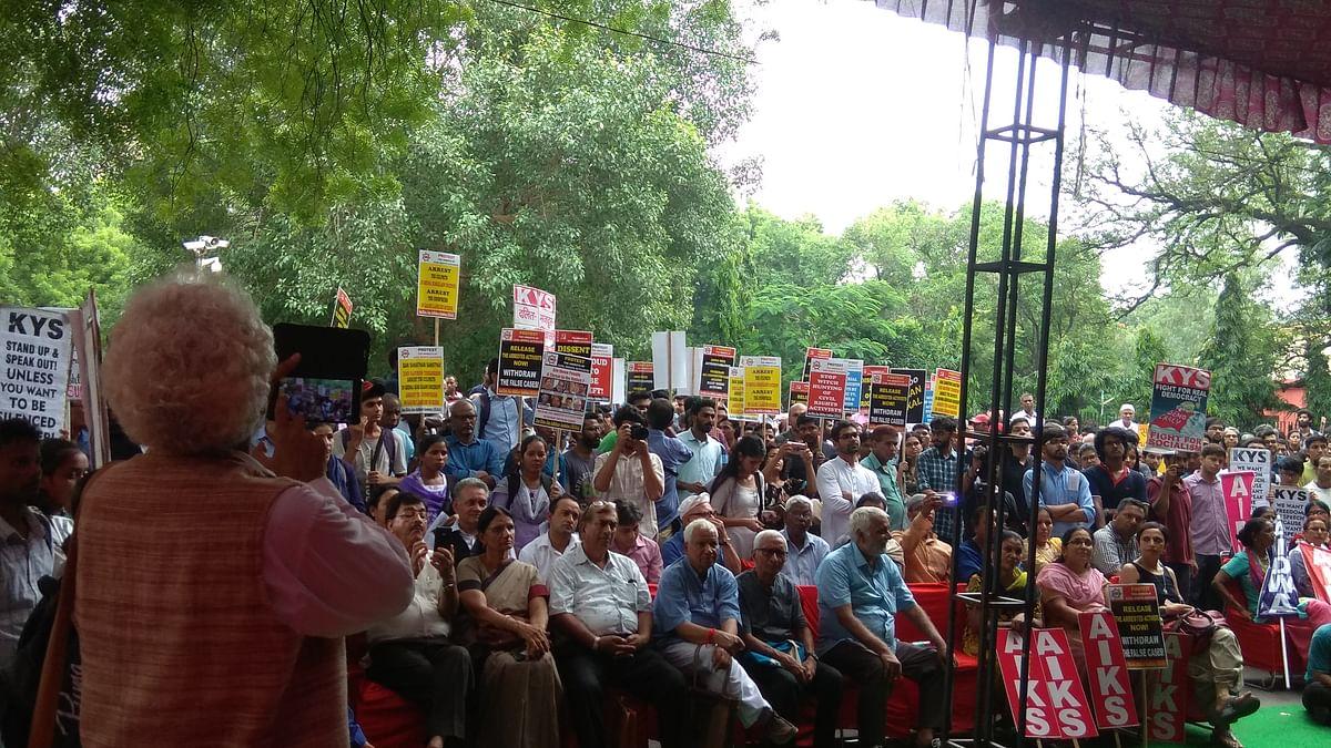 Hundreds turn up at Parliament Street, demand action against Sanatan Sanstha