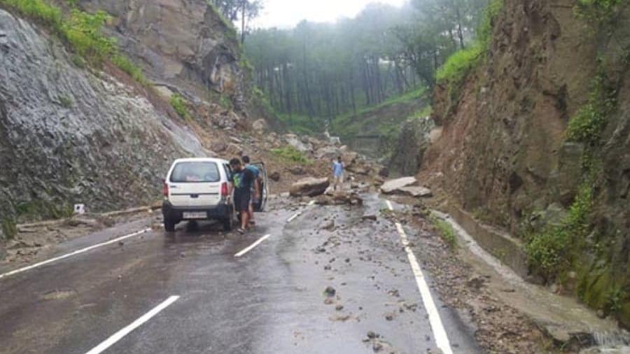 Himachal: Heavy rains, landslides across state, 5 die; tourists warned