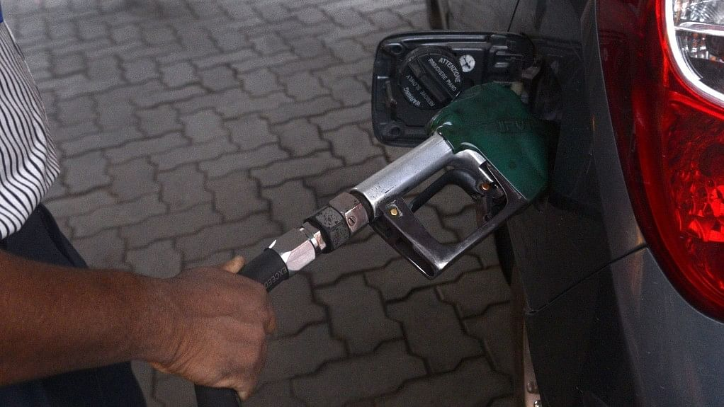 Petrol price crosses ₹90 per litre in Mumbai; even higher elsewhere in Maharashtra
