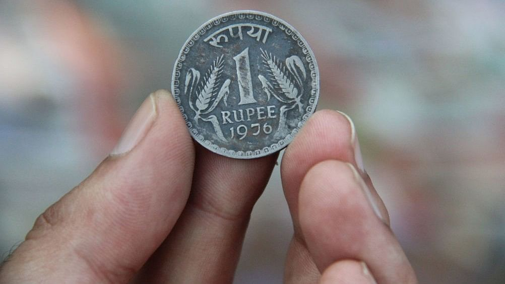 Rupee sinks to a fresh low of 72.98 per US dollar on September 18