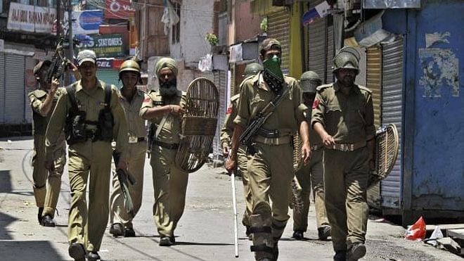 Kashmir: Militants release all 11 abducted kin of police personnel