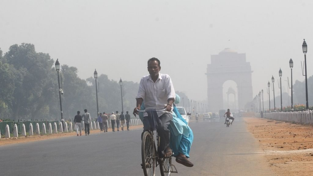 In misty Delhi, air quality drops to 'very poor'