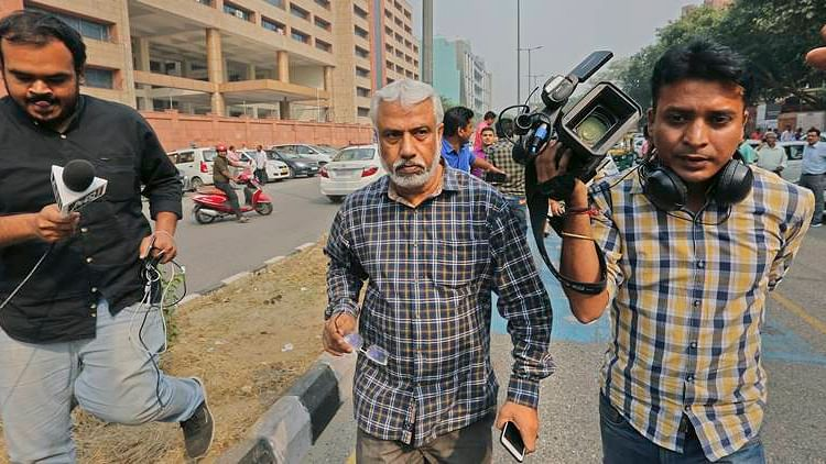 CBI officer AK Bassi challenges transfer in SC, claims incriminating evidence against Asthana