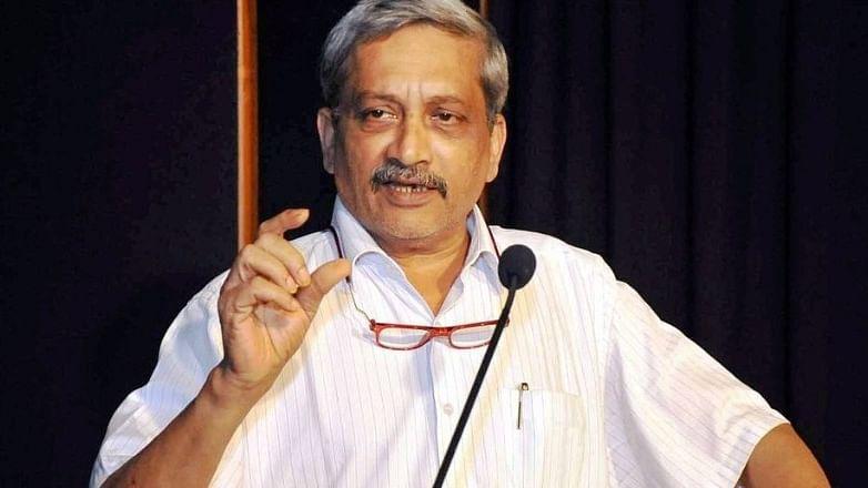 Goa: Ailing CM Manohar Parikkar calls for an 'agenda-less' cabinet meeting at AIIMS