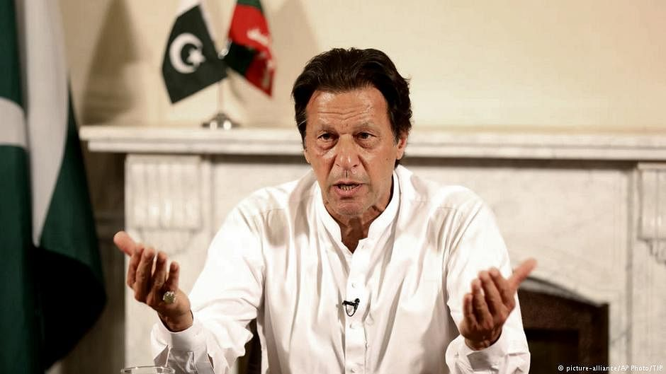 Pakistan PM Imran Khan claims 2 Indian MIGs shot down; offers talk to defuse tensions