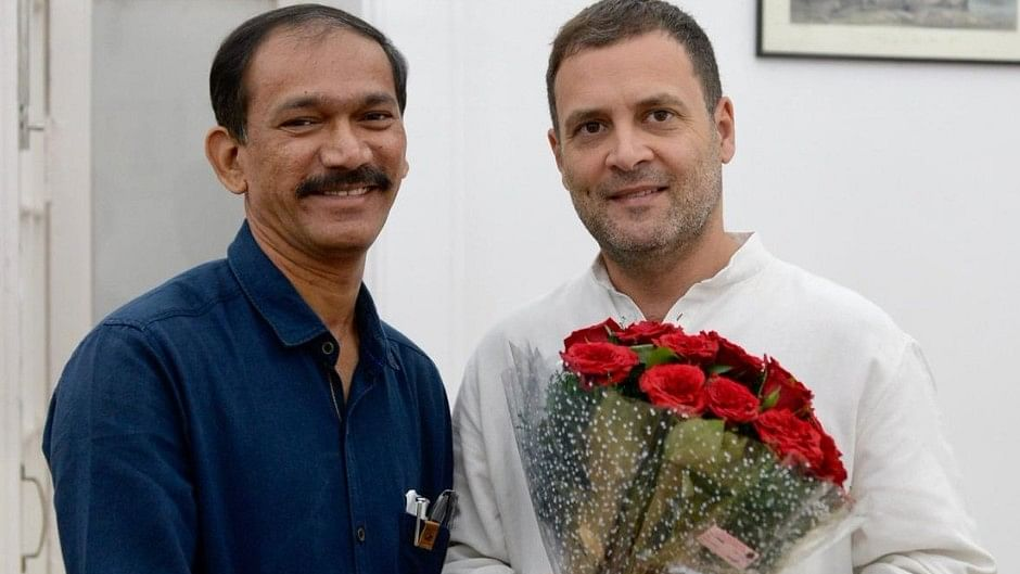 Goa governor is acting as BJP agent, Parrikar govt won't last more than a month, says Congress
