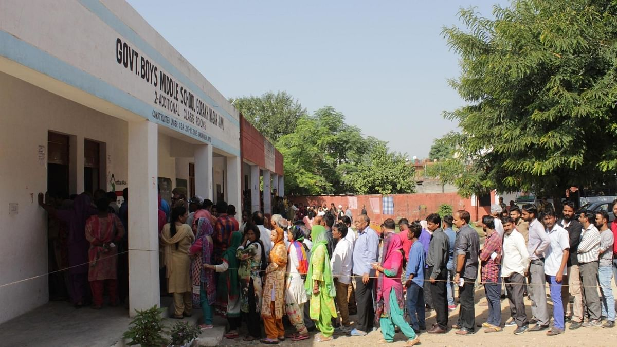 J&K municipal polls: feeble turnout in Valley, brisk voting in Jammu