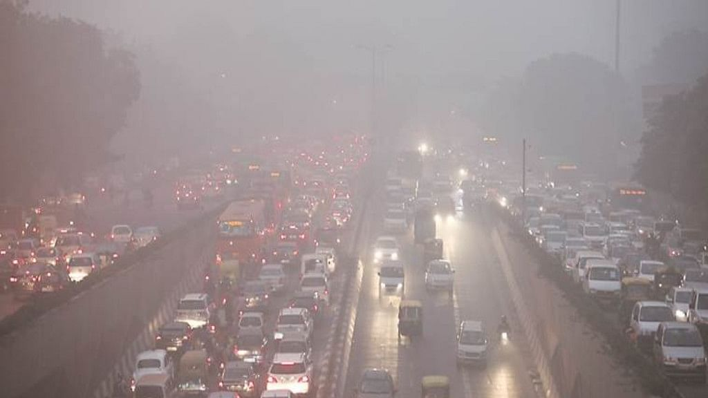 Delhi air quality continues to be 'very poor', Met cautions against morning walks