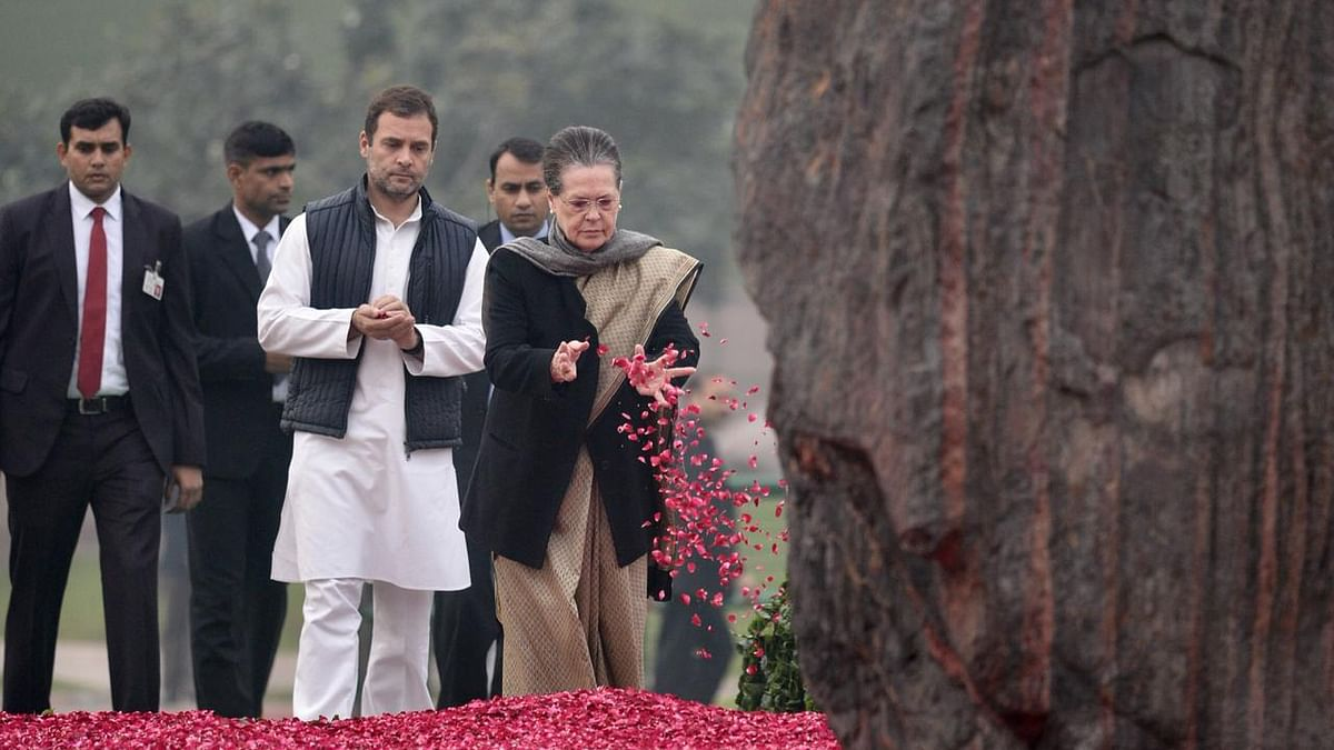 Top leaders pay tribute to Indira Gandhi on 101 birth anniversary