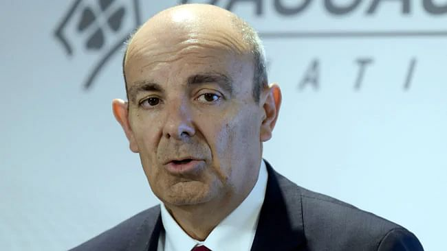 """I don't lie"" says Dassault CEO; Twitterati disagrees"