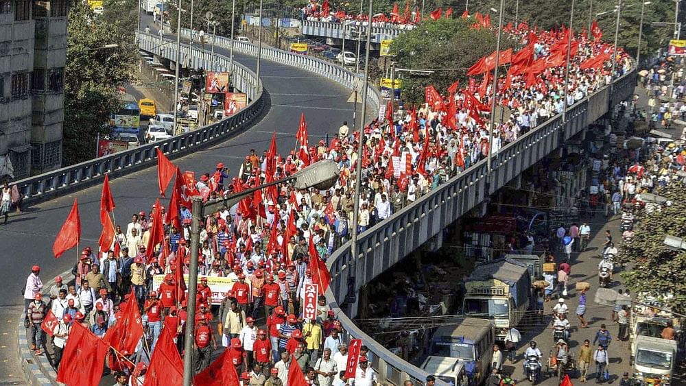 Farmers take over Delhi streets demanding loan waiver, higher crop prices