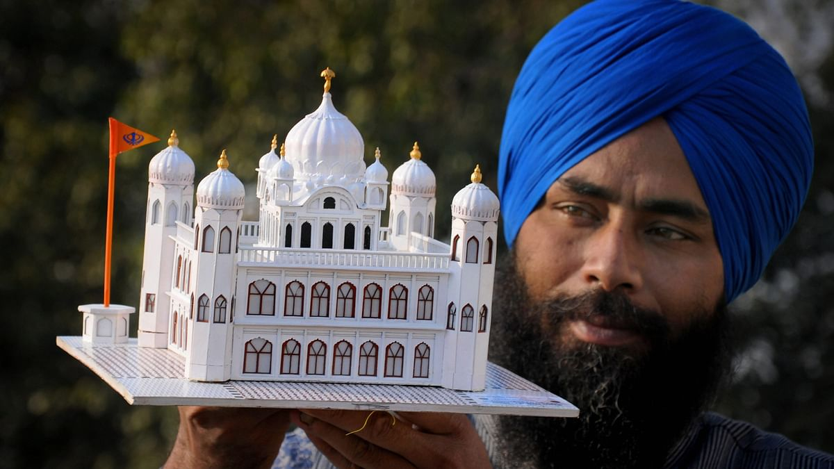 Govt clears Kartarpur corridor project; Pak says will build stretches in its territory