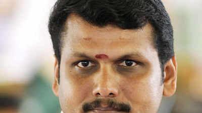 Dhinakaran's aide  Senthil Balaji quits AMMK, joins DMK